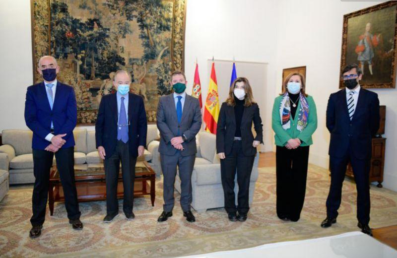 Reunión de Emiliano García-Page con la Real Fundación de Toledo